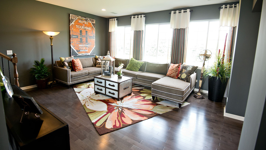 Does staging a home lure buyers into paying more