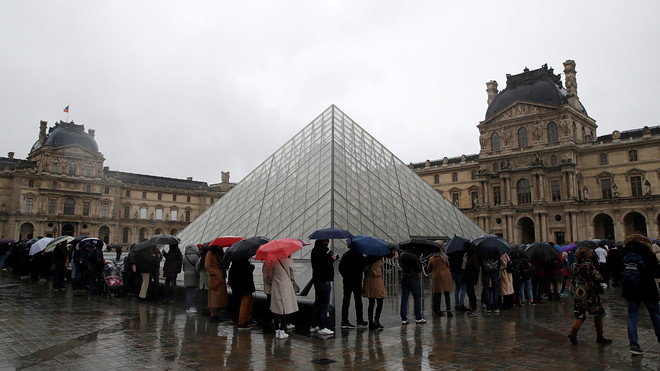 Louvre shuts; European tourism industry on the brink as ...
