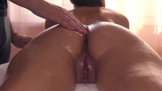 Erotic Massage Ends With A First Time Squirt For Sexy Girlfriend