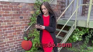 dates66.com Teenie Knackarsch öffentlich in Auto gefickt