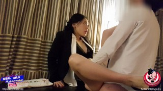 June Liu 刘玥/SpicyGum - Chinese Manager scolds her Employee for Being Late