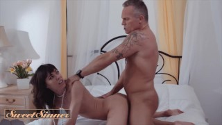 Sweet Sinner - Hot Chick Vera King Loves Hardcore