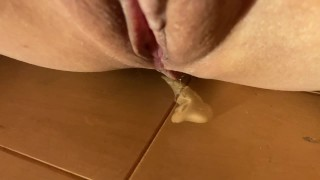 Pussy Juice Dripped Down During Masturbation