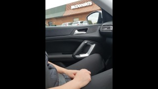 Step mom in black leggings make step son cum in 30 seconds on her hands in the car
