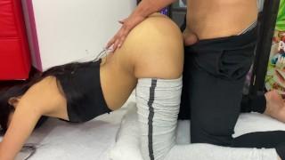 Entrenador se folla a alumna cachondaCASERO!!!
