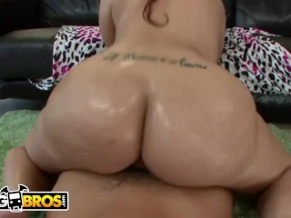 BANGBROS – Mike Adriano Worshipping PAWG Kendra Lust's Thicc White Booty