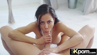 5KPORN Canela Skin Spreads Her Pussy For Cock