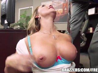 Destiny Dixon gets some office sex – brazzers