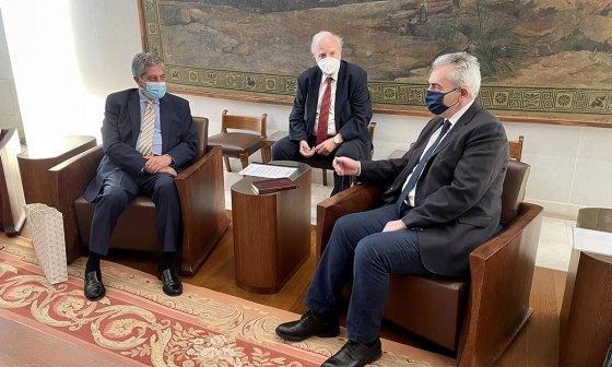 Αθήνα, 4 Ιουνίου 2021. Συνάντηση του Γενικού Γραμματέα Της Δ.Σ.Ο. με τον Πρέσβη Παλαιστίνης. Κίνδυνος εξαφάνισης των Χριστιανών στους Αγίους Τόπους.