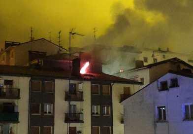 [eiberri.eus] [vídeo] Un herido en Eibar evacuado a Mendaro tras un incendio