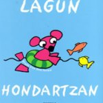 lagun-hondartzan