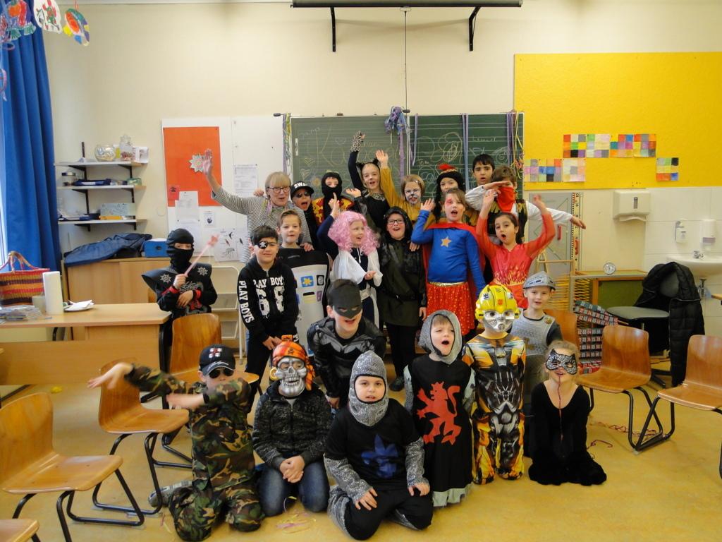 Schulkarneval Eichendorff 2018 (10)
