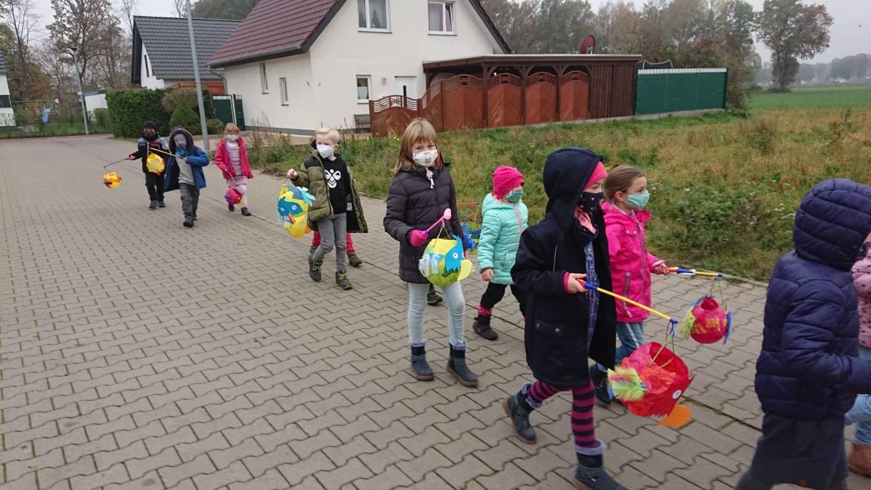 Martinsfeier Postdammschule 2020 (11)