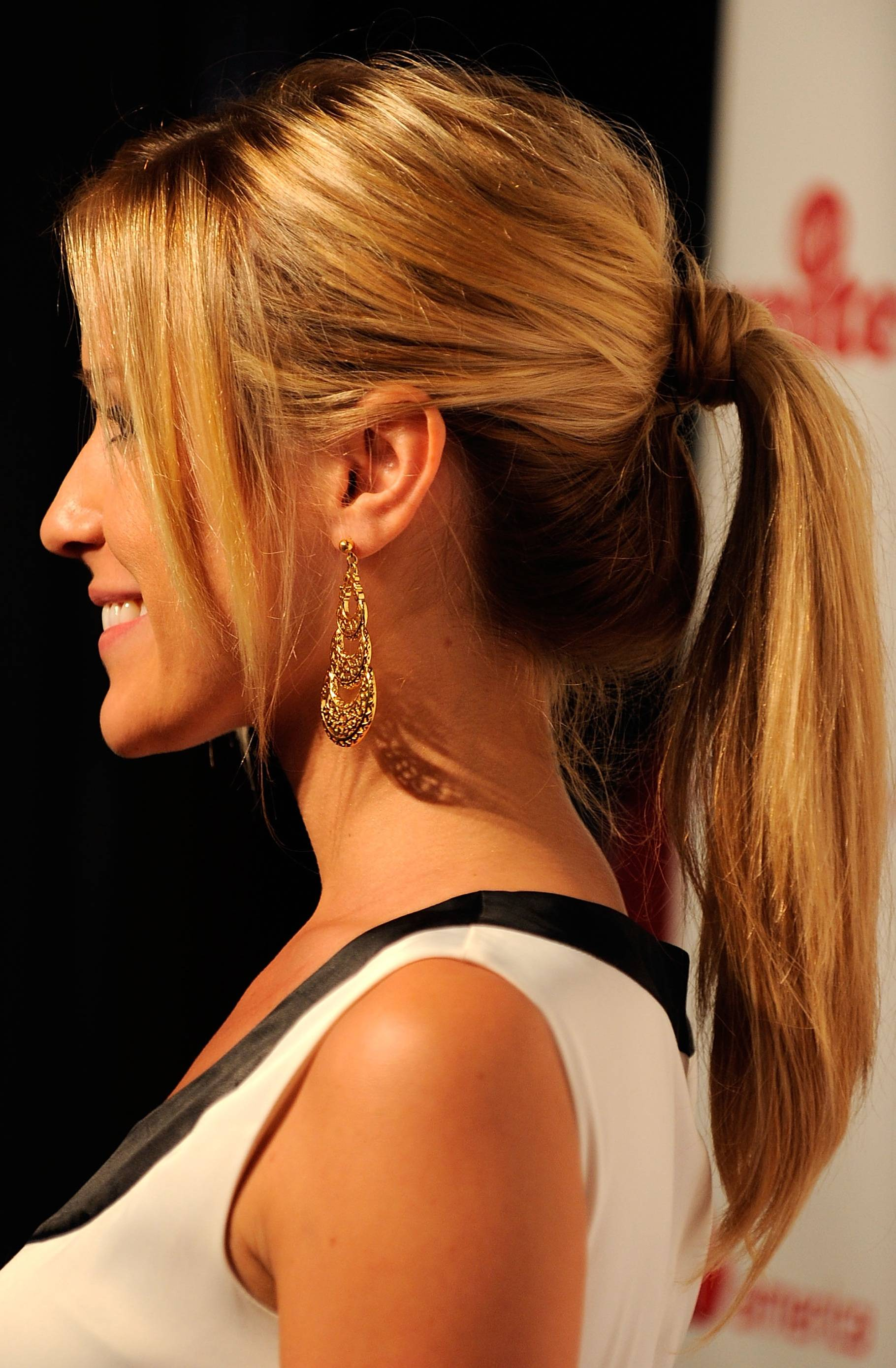 Hairstyle Trend for FallWinter 20112012 Simple yet Sexy Ponytail  EIDEAL