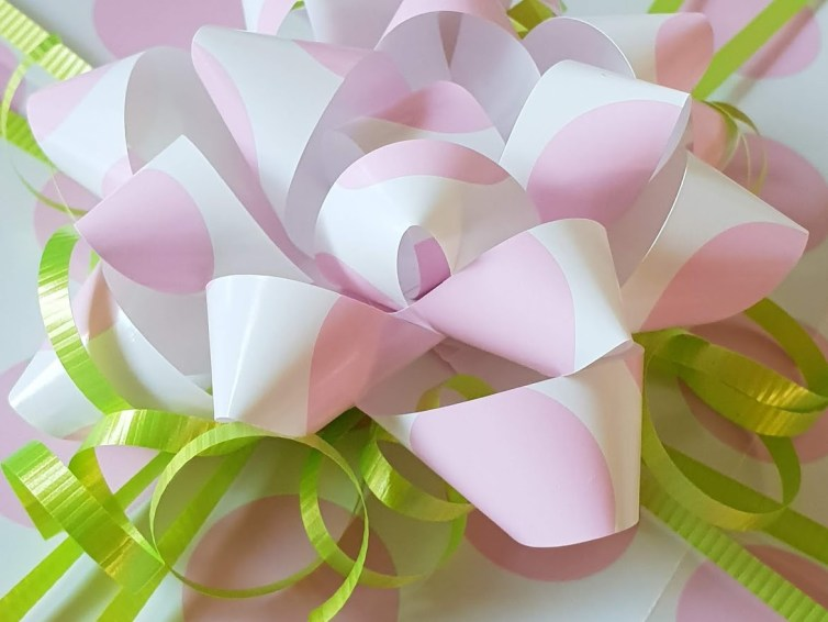 Make it Monday: Quick and easy bows!