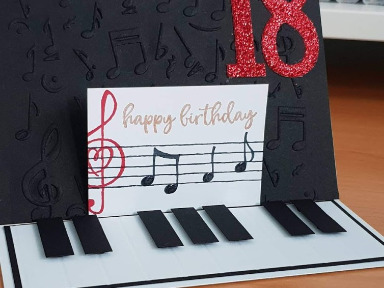 Make it Monday: Piano Easel Card!