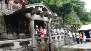 13-06-2016_templo-kiyomizu_cachoeira_otowa-no-taki_10