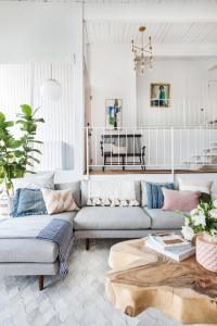 Light and airy living room inspiration | EiEiHome