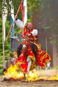 """In diesem Jahr wollen die """"Ritter der Burg Satzvey"""" gängige Mittelalter-Klischees aufs Korn nehmen. Bild: Mike Göhre"""