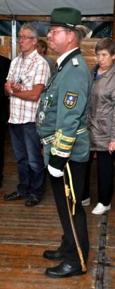 Immer schön zackig: Lothar Krahe führt die Wahlener Schützen schon seit 23 Jahren als Kommandant. (Foto: Reiner Züll)