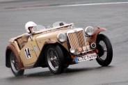 Gut gepflegt ist der alte MG TC (Baujahr 1949) mit dem der Kölner Hartmut Kentgens am Rennen der Vintage Sportcars teilnahm. (Foto: Reiner Züll)
