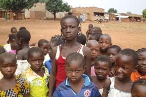 Um mehr Kindern in Burkina Faso den Schulbesuch zu ermöglichen, veranstalten die Fußballmädchen der SG Oleftal ein Benefizturnier. Foto: SG Oleftal