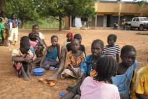 Mehr als die Hälfte der Bevölkerung von Burkina Faso lebt unter der absoluten Armutsgrenze und nur eine Minderheit von Kindern und Jugendlichen habe die Möglichkeit zu einem Schulbesuch. Bild: Harry Kunz