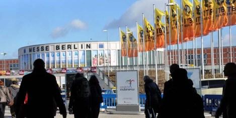 Die Internationalen Tourismusbörse in Berlin lockte in diesem Jahr inerhalb von fünf Tagen 115.000 Fach- und 60.000 Privatbesucher an. Unser Foto zeigt den Südeingang der Messe. Foto: Reiner Züll