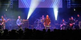 Die BAP-Coverband MAM legte einen spektakulären Auftritt hin. Foto: Reiner Züll