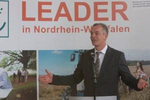 NRW-Umweltminister Johannes Remmel lobte die hohe Leidenschaft der Bürgerschaft für ihre Regionen. Archivbild: Tameer Gunnar Eden/Eifeler Presse Agentur/epa