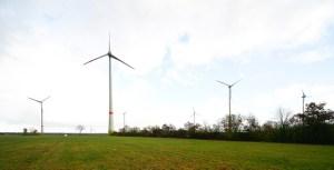 Der Bürgerwindpark Schleiden stellt eine Station der Rundreise zu nachhaltigen Projekten dar. Bild: Tameer Gunnar Eden/Eifeler Presse Agentur/epa
