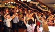 Über 500 Besucher feierten ausgelassen beim siebten Lorbacher Oktoberfest. Foto: Reiner Züll