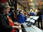 Der Fahrer des Landrates, Werner Krebs, sorgte beim Tollitätenempfang für Musik. Foto: Reiner Züll