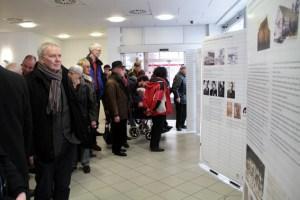 Die Ausstellung in den Räumlichkeiten des BC Kuchenheims gewährt Einblicke in das einstige jüdische Leben von Kirchheim und Kuchenheim. Bild: Michael Thalken/Eifeler Presse Agentur/epa