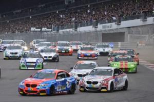 In der zweiten Startgruppe stellt BMW beim 24-Stunden Rennen die meisten PS starken Fahrzeuge. Foto: Reiner Züll