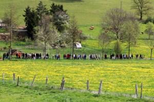 Beim Megamarsch sollen 100 Kilometer in 24 Stunden gewandert werden. Symbolbild: Michael Thalken/Eifeler Presse Agentur/epa