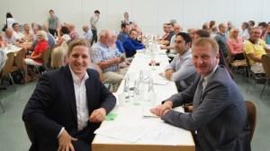 Markus Ramers (vorn von links) mit NRW-Innenminister Ralf Jäger  auf dem Kreisparteitag in Weilerswist. Bild: privat