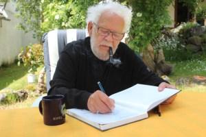 Der Erfinder des Eifel-Krimis, Jacques Berndorf, feiert in diesen Tagen seinen 80. Geburtstag und arbeitet schon wieder an einem neuen Krimi. Bild: Hans-Peter Kruse