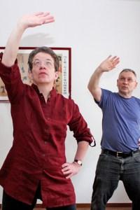 Sabine und Dieter Renner laden zu einem weiteren Qigong-Kurs ein. Bild: Carsten Düppengießer