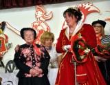 Fine Hermanns hatte Prinzessin Kerstin im Eiltempo das rote Kleid passend gemacht. Foto: Reiner Züll