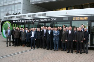 Landrat Günter Rosenke (6.v.r), Aufsichtsratsvorsitzender der RVK, konnte auf der JIVE-Kickoff-Veranstaltung in Köln zahlreiche Experten aus ganz Europa begrüßen. Bild: RVK
