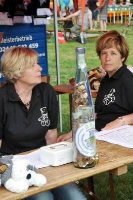 """Familienfest anlässlich des Doppeljubiläums """"50 Jahre Schullandheim Haus Dalbenden"""" und """"25 Jahre Hilfsgruppe Eifel"""". Foto: Reiner Züll"""