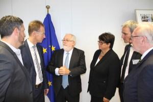Auf Initiative von Detlef Seif (2.v.l.) trafen sich die CDU-Bundestagsabgeordneten aus der Aachener Region erneut mit dem für die Reaktorsicherheit der Europäischen Union zuständigen Kommissar Miguel Arias Cañete (mitte). Bild: CDU