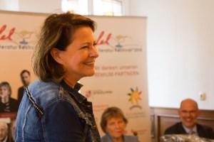 Die Trierer Bestseller-Autorin Stefanie Stahl kam erst in der Woche vor der Pressekonferenz im Programm des Eifel Literatur Festivals unter. Bild: Tameer Gunnar Eden/Eifeler Presse Agentur/epa