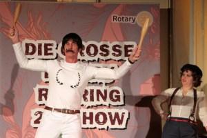 Der Starke Waldemar (Norbert Golz) konnte auch singen. Bild: Michael Thalken/Eifeler Presse Agentur/epa