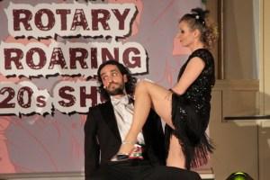 Daniela Züll brachte als Tanzlehrerein Hilde Greven Johnny Silencio (Dario Corradini) in Bedrängnis. Bild: Michael Thalken/Eifeler Presse Agentur/epa