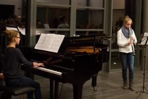 """Das Duo Katharina Horn (Klavier) und Helene Caspar (Klarinette) war bereits im vergangenen Jahr bei """"Jugend musiziert"""" erfolgreich. Archivbild: Tameer Gunnar Eden/Eifeler Presse Agentur/epa"""