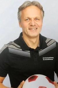 Marcel Witeczek trainiert die Jugend. Bild: Veranstalter