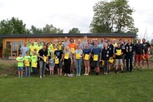Nach zwei Tagen Windsurfen erhielten die rund 50 Teilnehmer ihre Urkunden und Pokale. Bild: Michael Thalken/Eifeler Presse Agentur/epa