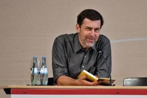 """Peter Stamm las aus seinem neuen Buch """"Die sanfte Gleichgültigkeit der Welt"""". Bild: Harald Tittel/ELF"""